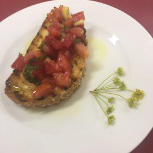 bruschetta-al-pomodoro-con-finocchio-selvatico